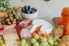 rose-and-laurel-wine-and-charcuterie-party-4