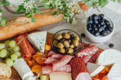 rose-and-laurel-wine-and-charcuterie-party-5