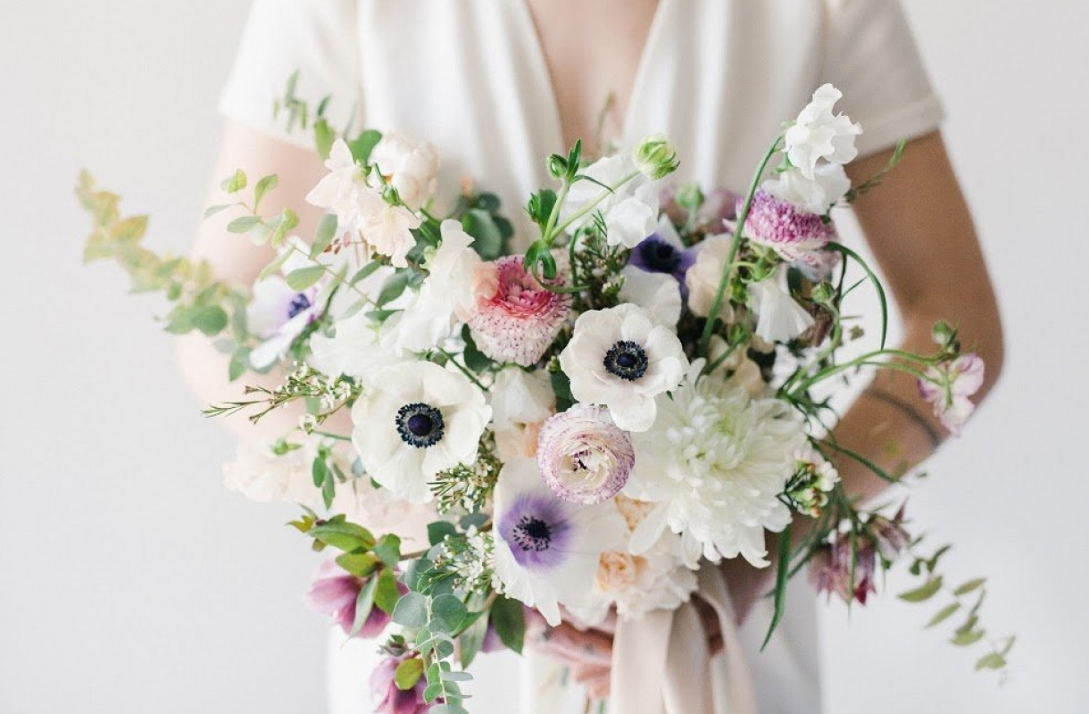 Spring Bouquet with Anemone and Sweet Pea for #afdworkshops Photo by Marit-Williams-Photography Rose and Laurel