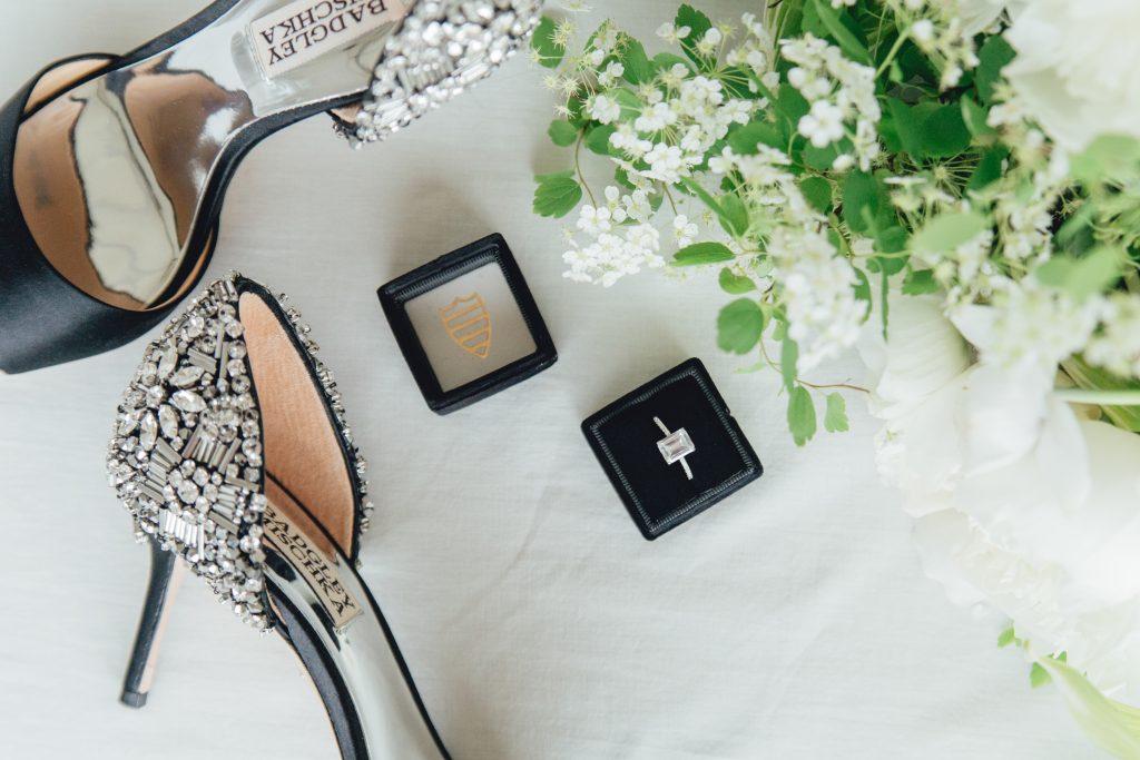 rose-and-laurel-sophisticated-wedding-details