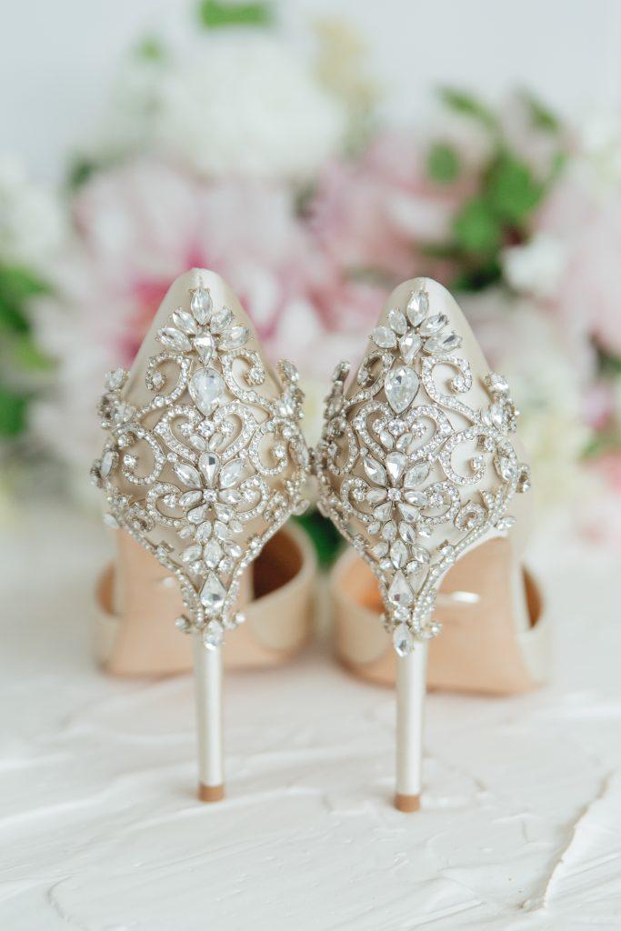 rose_and_laurel_back_of_shoe_Badgley_Mischka