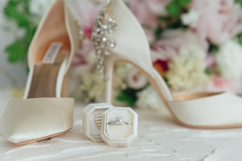 rose_and_laurel_pink_wedding_inspiration_the_mrs_box_cream_and_shades_of_pink_detail_photo