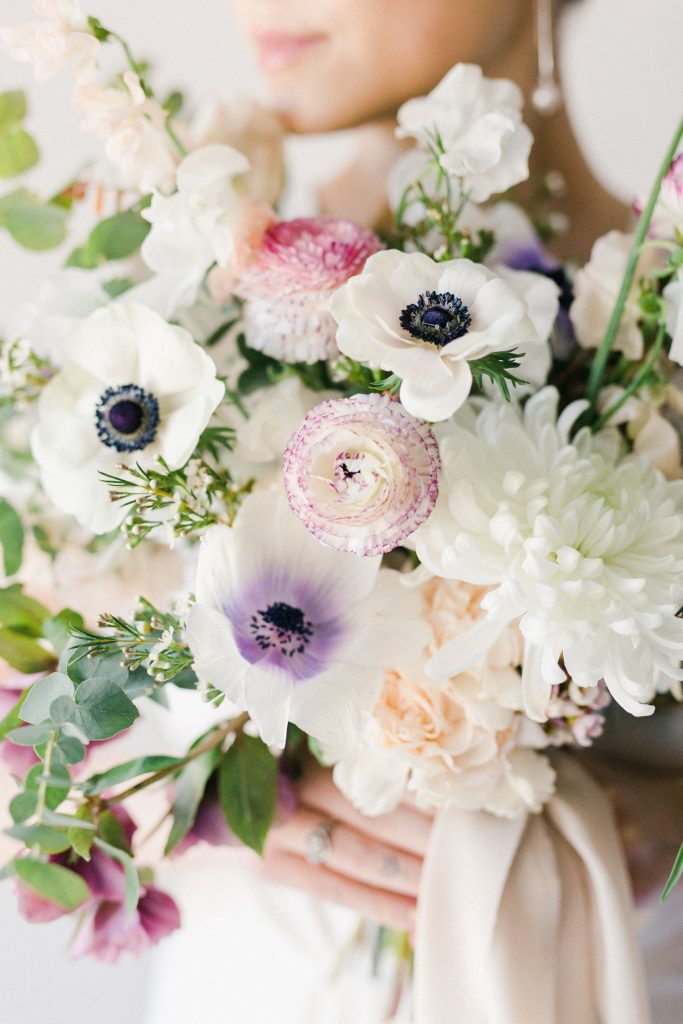 detail_spring_anemone_bouquet_minnesota_luxury_flowers